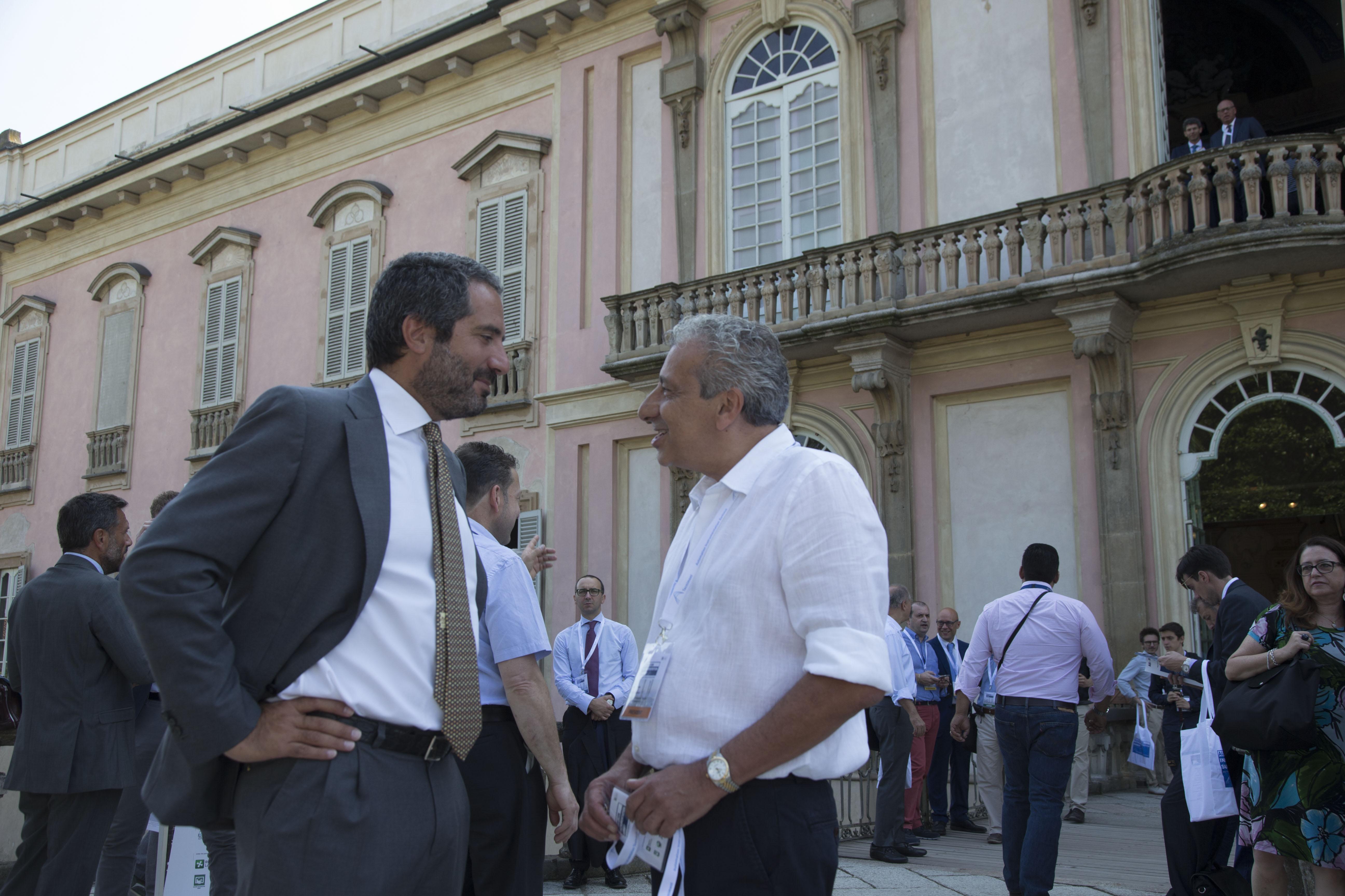 Pierroberto Folgiero, CEO di Maire Tecnimont (a sinistra) e Claudio Montresor, presidente AIS (a destra)